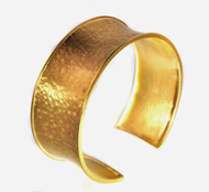18kt Yellow gold Satin Hammered Cuff