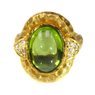 14Kt Yellow Gold Ring with Peridot and Diamonds