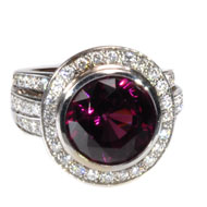 14Kt White Gold Ring with Garnet and Diamonds