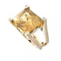 citrine ring cleaved with flat top yellow gold 300